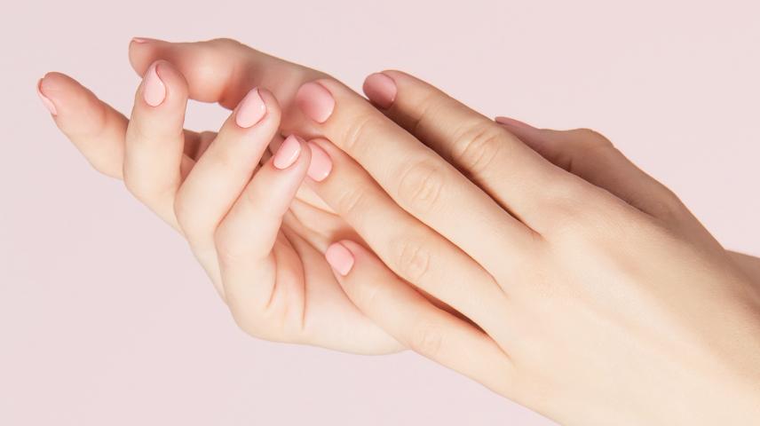 Prendre soin de ses mains aussi avec la médecine esthétique !