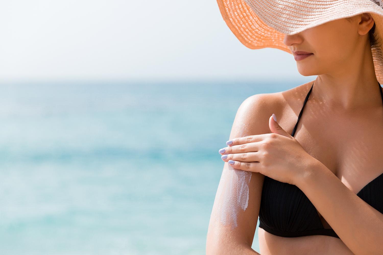 Une protection solaire toute l'année, est-ce indispensable ? - Questions Médecine Esthétique By Merz